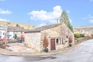 Freehold Stone Built Detached Commercial Property